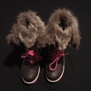 Justice orange/pink/brown furry winter boots